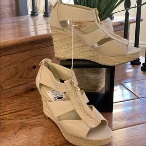 Report shoes